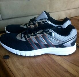 Mens Adidas trainers size 9/10