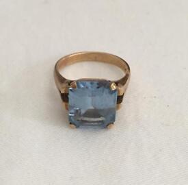 9ct Gold Blue Topaz Ring Size J1/2
