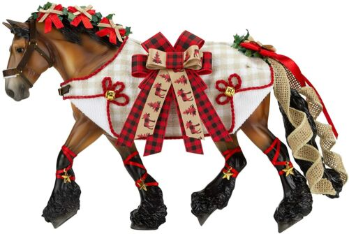 Breyer 2020 Holiday Christmas Traditional Series Holiday Horse Yuletide Greeting