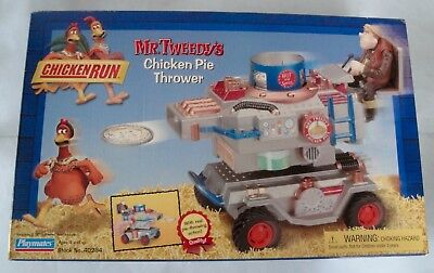 MISB Playmates Chicken Run Mr. Tweedys Chicken Pie Thrower