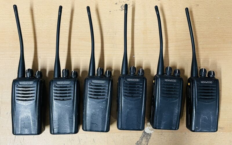 Lot of (6) Kenwood NX-320-K UHF 64CH 5W in good working condition
