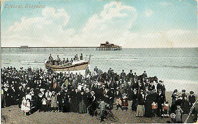 Lifeboat,and crew,Lincoln (with pier in the background) 1906 (Valentine's 47034)