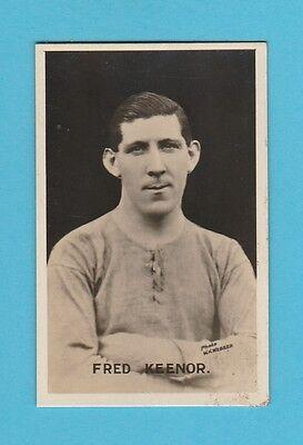 FOOTBALL - D.C. THOMSON - BRITISH FOOTBALLER CARD  -  FRED  KEENOR   -  1925