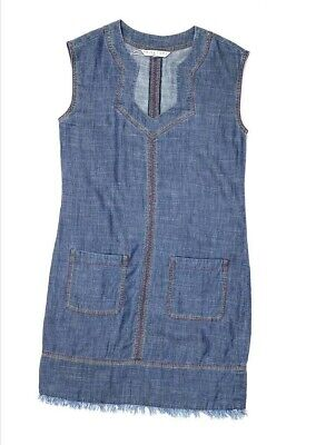 Trina Turk Vestido Recto Pequeño Azul Chambray Frayed-Hem Notched-Neck Nuevo