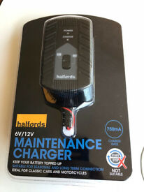 Halfords Battery Charger - 750mA - 6V/12V switch. Ideal for motorbikes/scooters