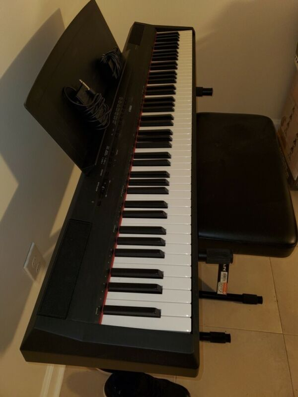 yamaha p 115 electric piano + seat & stand