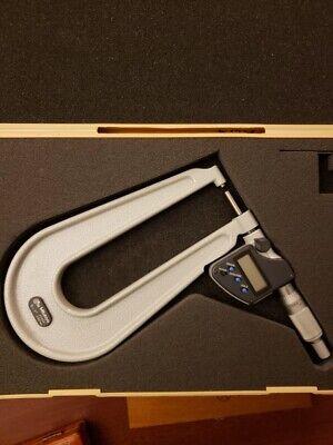 Mitutoyo 389-351-30 Series 389 Saemetric Digimatic Sheet Metal Micrometer