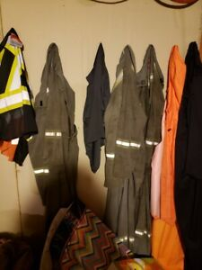 5 pairs of coveralls ranging from size 44-52
