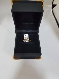 G 1/2 size 18ct gold diamond ring Belmont Belmont Area Preview