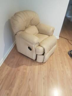5 seater leather lounge suite