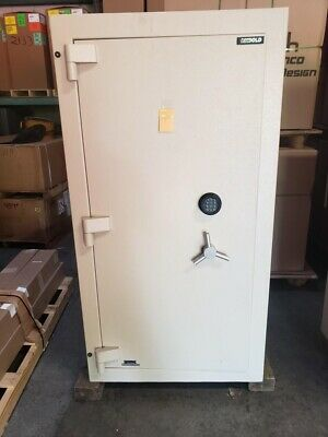 Diebold Safe With Lockers Inside Tl-30