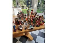 Vintage collection of dolls from around the world vgc