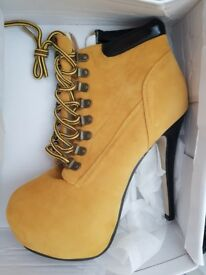 New in box Nice shoes for woman size 40 eu size 6 uk
