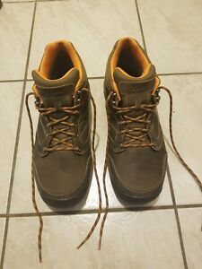 Men's New Ballance Hiking Shoe - Brand New Condition