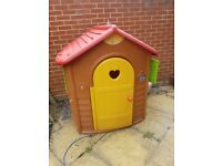 Jura lodge playhouse. Good condition. 6 years old.