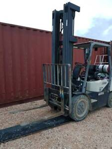 Cown Forklift CG25E-3 Low Hours, Fork Truck, High lift mast