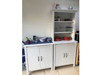Kitchen cabinets. Excellent condition. Tall 190 x 80 x 48. Short 93 x 80 x 48 cm