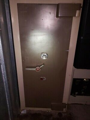 Used Fichet Bauche Bastille 367 Trtl30x6 High Security Safe Local Pickup Only