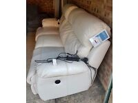 Beautiful 3 seater electric recliner leather sofa (cream)