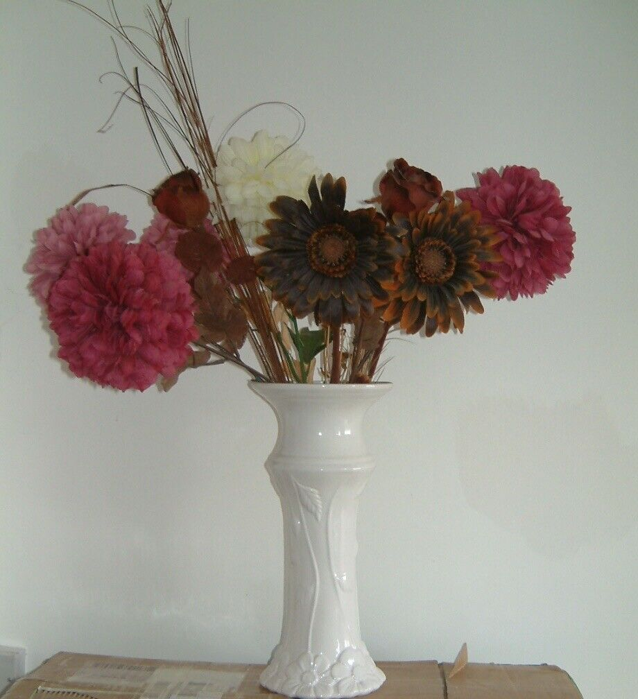 Large White Vase With Large Paper Flowers 15 Inches High Good Condition Evington In Leicester Leicestershire Gumtree