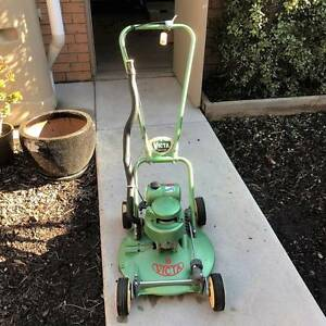 """Victa Vintage 18"""" Toe Cutter Lawn Mower (1 of 2 for sale) Altona Meadows Hobsons Bay Area Preview"""