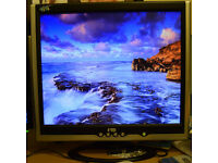 "FujiPLUS FP-988D Silver-Black 19"" 12ms LCD Monitor 250 cd/m2 600:1"