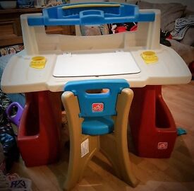 Step 2 Deluxe Activity Desk with Chair