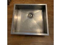 1810 Zenuno Stainless Steel Sink