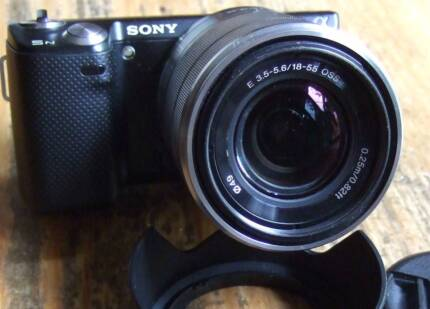 Sony Nex 5N E-Mount Mirrorless Camera with 18-55mm OSS lens EXC
