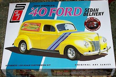 Amt Winfield's 1940 Ford Sedan Delivery Truck 3 In 1 Model Kit 1/25