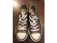 Gold converse size 4