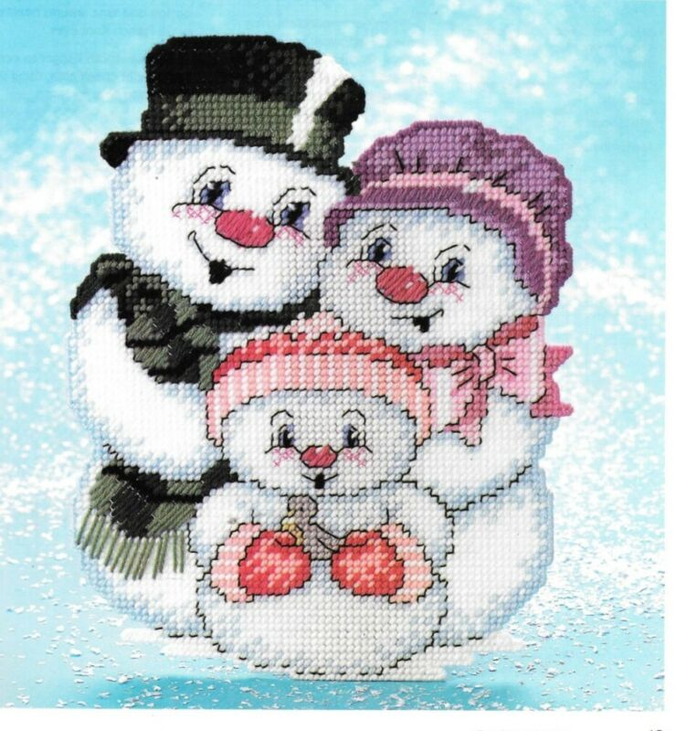 Plastic Canvas - Frosty Family Wall Hanging - Pattern