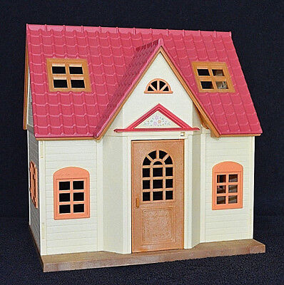 SYLVANIAN FAMILIES COSY COTTAGE STARTER HOME/HOUSE