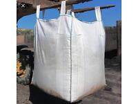 Ton dumpy bag of Sharp Sand