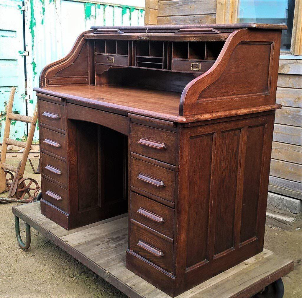 Antique Oak Roll Top Desk With Key