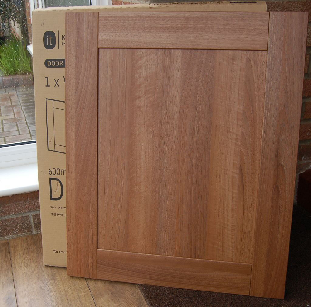 B&Q Walnut Shaker Style Westleigh Kitchen Cupboard Cabinet