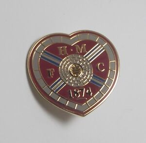 HEART OF MIDLOTHIAN FC -  ENAMEL HEARTS CREST BADGE.