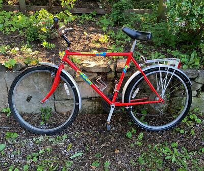 "Men's 21"" Specialized Hardrock Mountain Bike. Nearly new hybrid tyres. 18-speed."