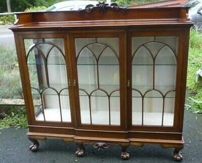 Antique Top Quality Mahogany Triple Door Breakfront Display Case On Ball Claw Ft