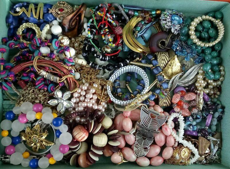 Vtg Lot 60+ pcs (4lbs) Costume Jewelry Necklace Brooch Bracelet Charm