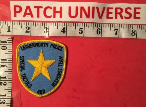LEAVENWORTH  POLICE SPECIAL WEAPONS AND RESPONSE TEAM  SHOULDER PATCH  F024