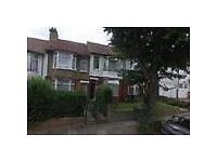 X2 BEDROOMS IN 4 BEDROOM HOUSESHARE LOCATED IN ALEXANDRA ROAD, HENDON, NW4 2SA