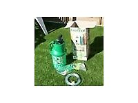 Brand new garden fence sprayers and brush JUST 1 REMAINING