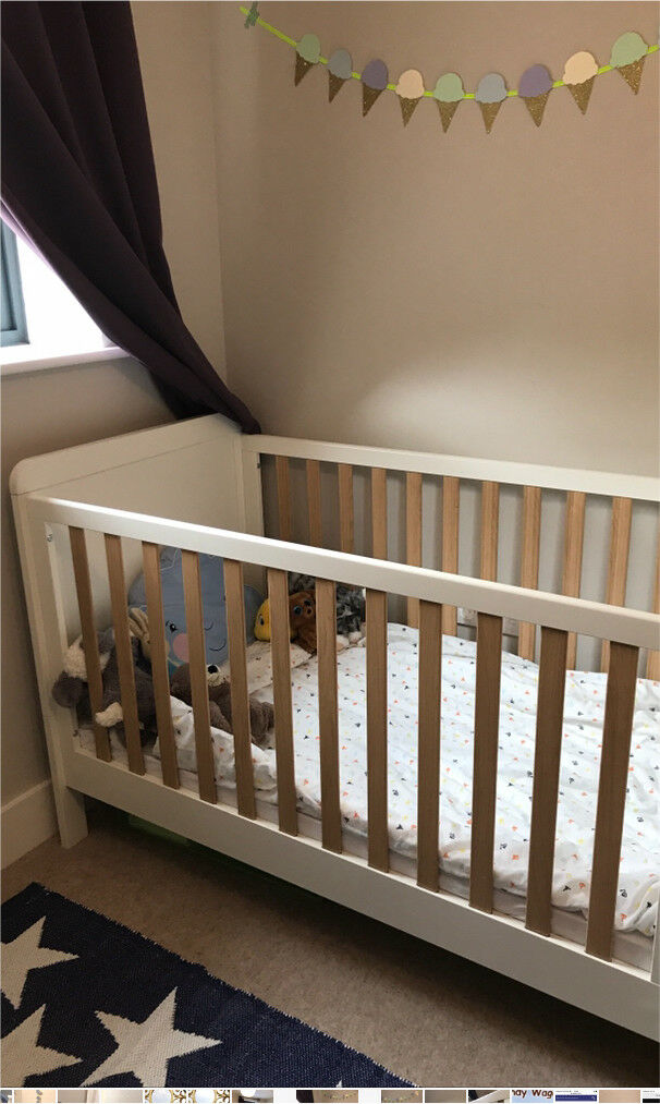 Lovely Mammas and Pappas Rialto Cot bed in good condition