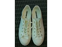 bf40a3f1ec48 BRAND NEW AND BOXED- CONVERSE WOMEN S DAINTY OX TRAINERS- EGRET WHITE- ...