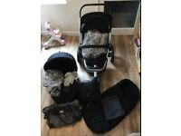 Quinny Buzz 3 pushchair, Carrycot, footmuff, nappy bag plus other items