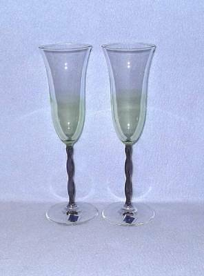 Le Stelle 2 Champagne Flutes Glasses Green with Purple Stems - Purple Champagne Glasses