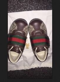 Gucci toddler brown leather shoes size 20