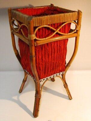 E1 Ancienne malle à pelottes de laine - Rotin osier travaillé 60'