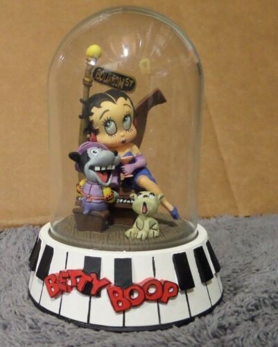 "BETTY BOOP ""BOURBON STREET"" 1995 LIMITED ED. HAND PAINTED SCULPTURE W/DOME"